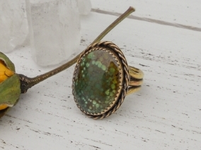 Green turquoise antique brass ring with braided accent and triple split shank - size 4.5 - Bohemian Boho Gifts for Her