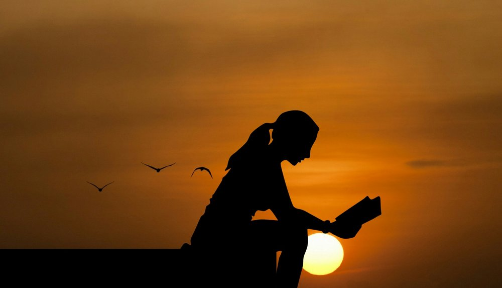 reading-read-peacefulwoman-dusk.jpg
