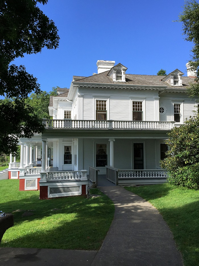 Mountain Manor side