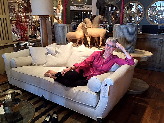 comfy_sofa