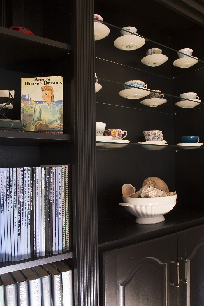 shelving, custom shelves, glass shelves, wood shelves, built in bookcase