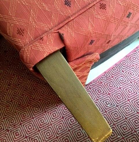 chair leg.JPG