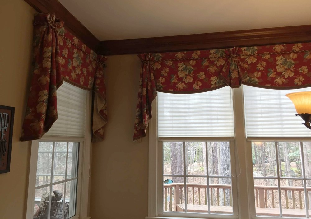 swag-and-jabot-window-treatments