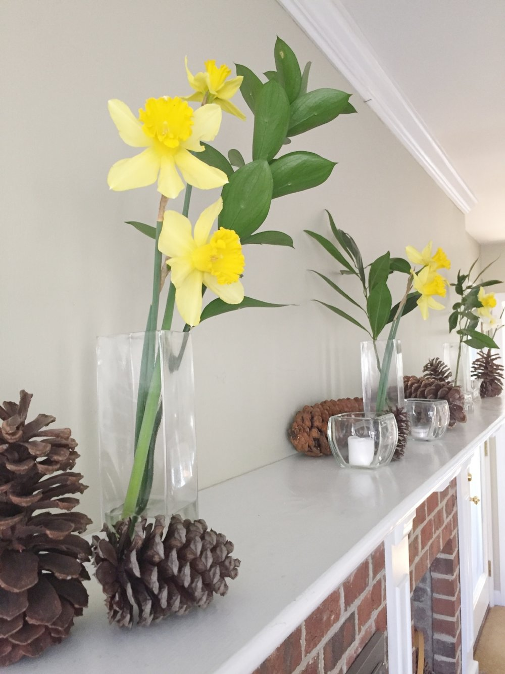 flowers-on-mantel