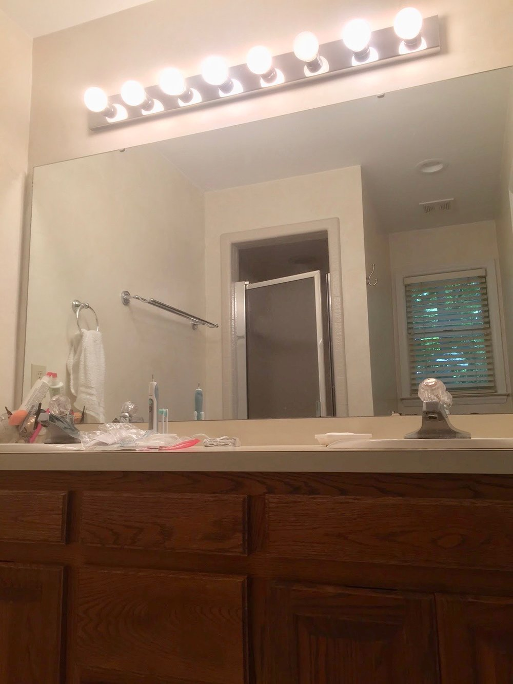 bathroom_before 2.jpg