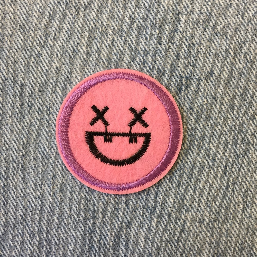 LIGHT PINK SMILEY