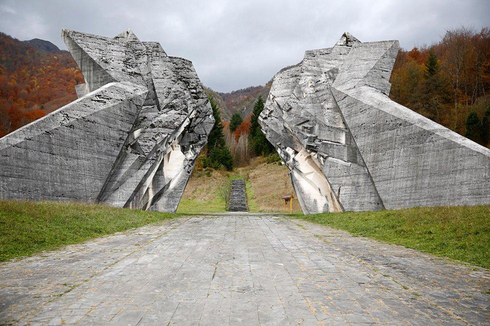 former-yugoslavia-monuments.jpg