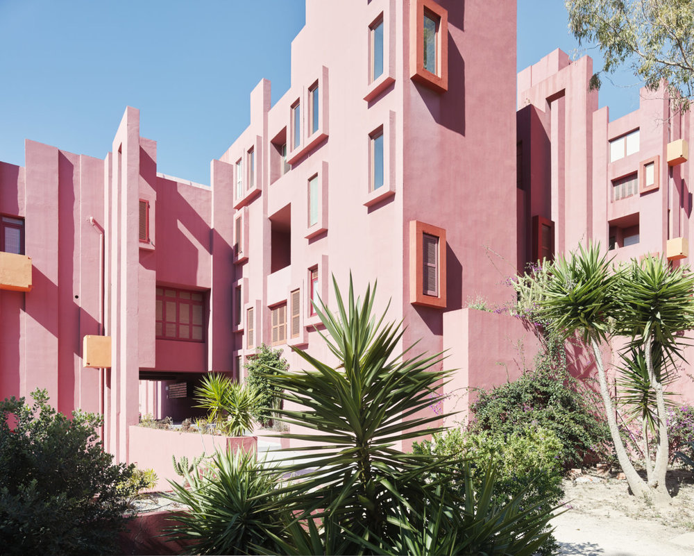 Muralla_Roja_Calpe_Spain_Ricardo_Bofill_Taller_Arquitectura_003-1440x1154.jpg