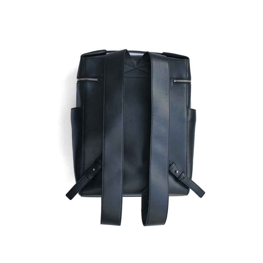 BACKPACK 01 (BACK).jpg