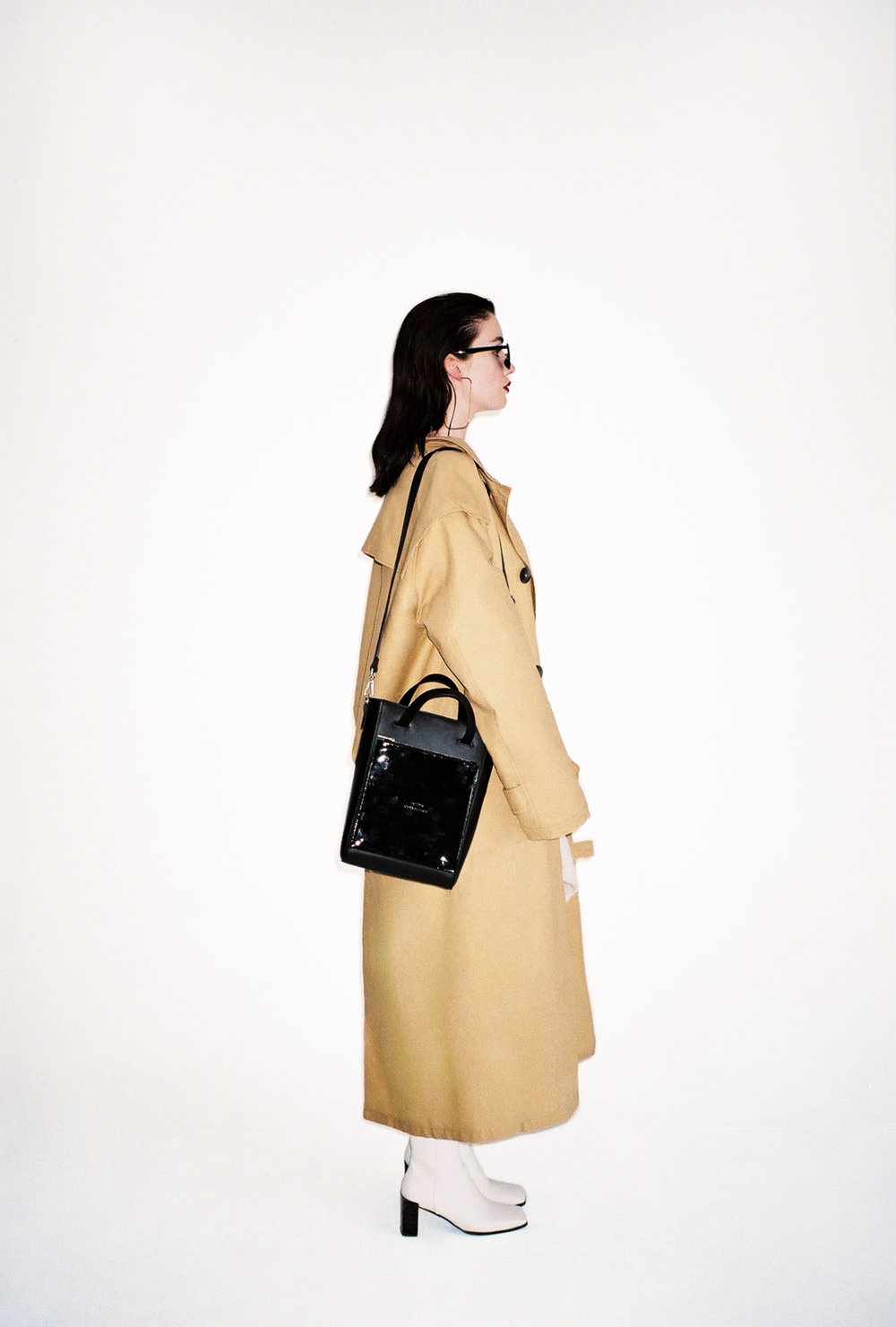 TOTE02 with LACQUERED Clutch.jpg