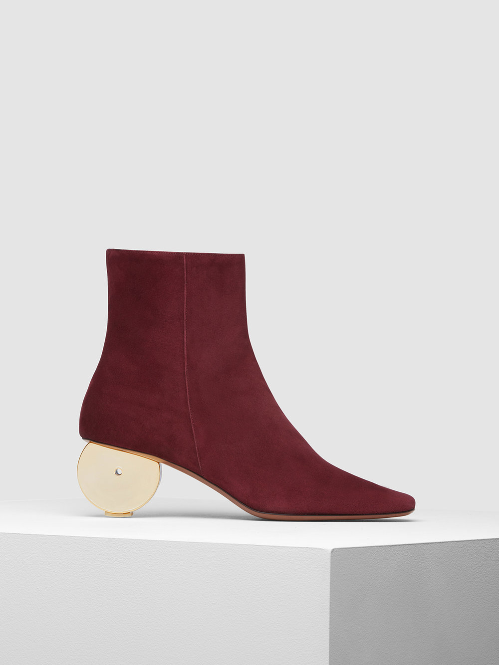 moon boot burgundy side.jpg
