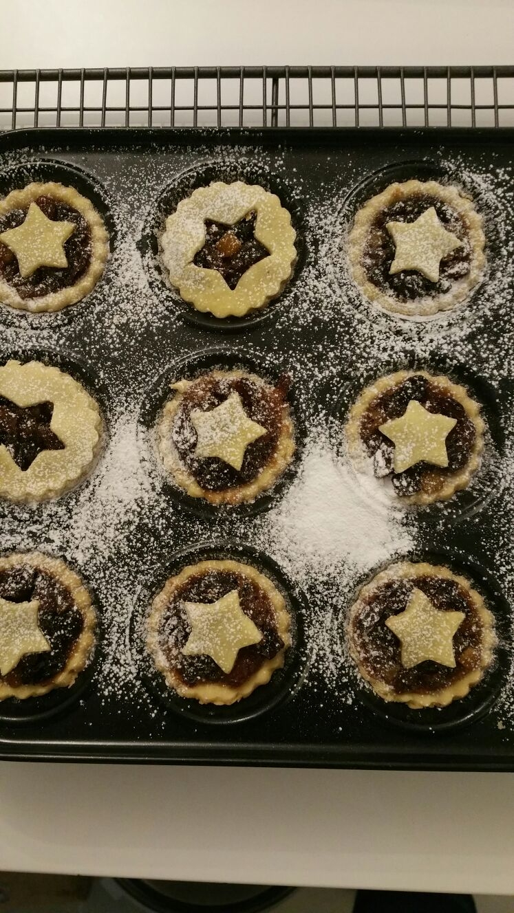 Grab a gluten free vegan mince pie from Vegan Delice and a mulled wine this Sunday!