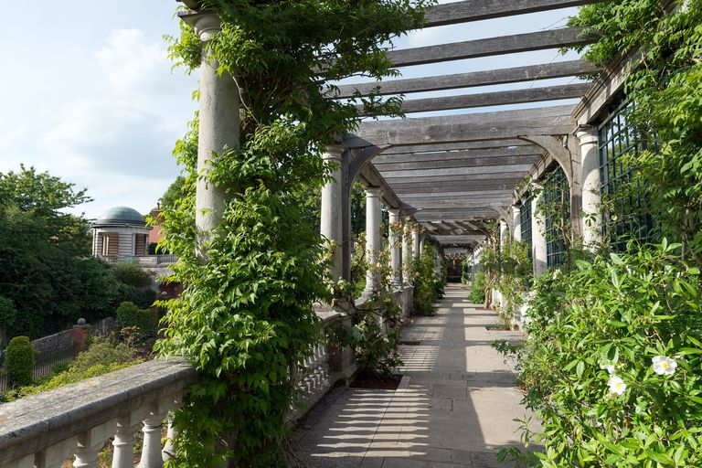 photo: harpersbazaar.com