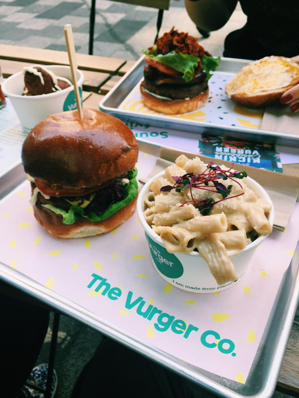 Auberger and Mac n Cheese from the Vurger Co