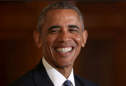 Barak Obama smiling.png