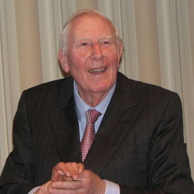 Roger Bannister was a hero of mine.  http://www.bbc.co.uk/sport/athletics/43273249 #4minutemile #mindoverbody #legend