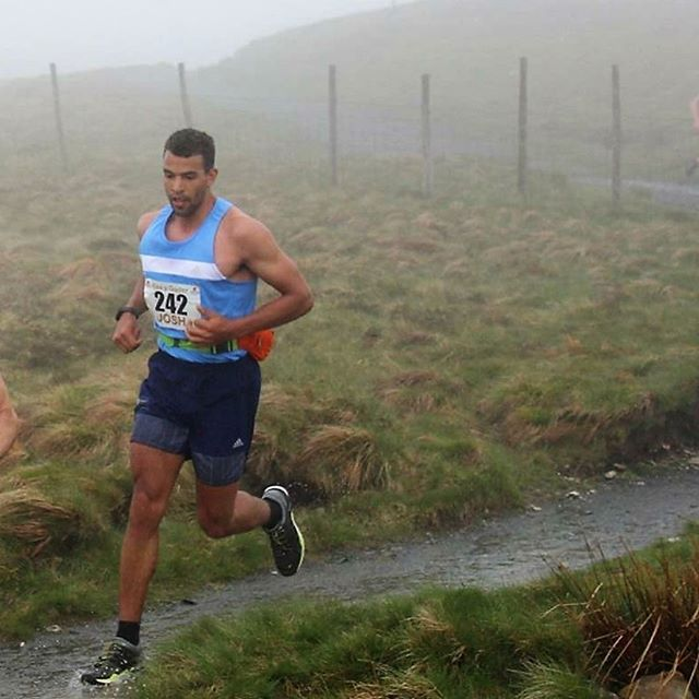 Throwback to Ras y Gader 2016 - my first time racing in Wales.  Starting in Dolgellau, you climb 3000ft to the summit of Pen y Gader. They take summit times (I was around 61 min from memory) and then you leg it down! With the first mile uphill on tarmac, then into a forest, a muddy field, a devastatingly steep rocky track up to the plateau and a boulder field to the summit, it tests the brain and body to the limit.  The 2018 edition runs next weekend, good luck to all those racing!  #fellrunning #wales #TBT #caderidris