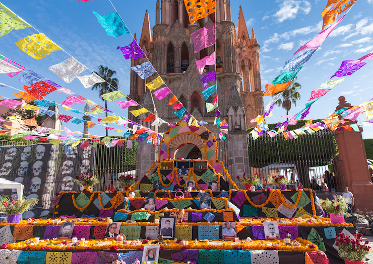 Community altar in front of the cathedral of San Miguel de Allende. Photo courtesy of  thesimplesol.com