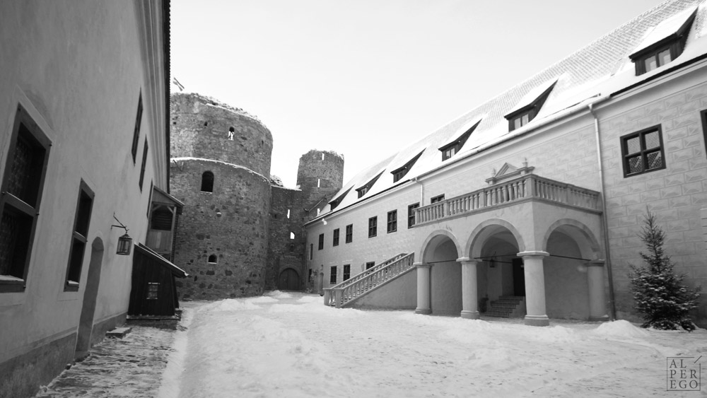 bauska-castle-01.jpg