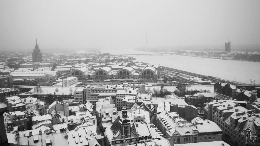 Riga Central Market (view from St. Peter's tower).  Riga Merkez Pazarı (St.Peter'in kulesinden).