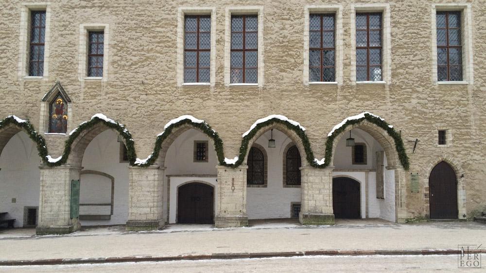 tallinn-09-town-hall.jpg