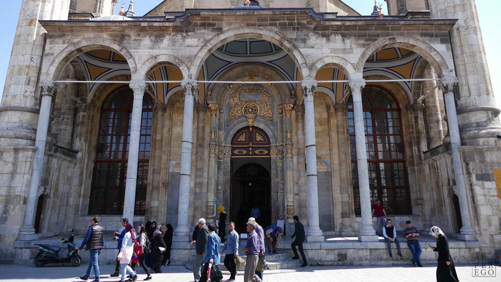 aziziye-mosque-02.jpg