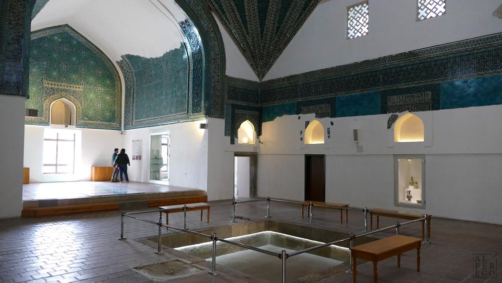 karatay-madrasa-09-hall.jpg