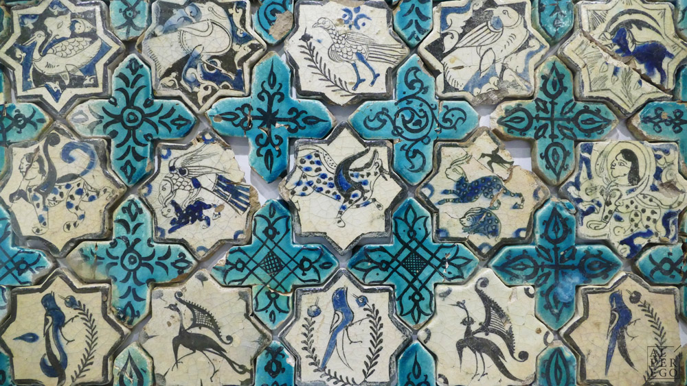 Fascinating samples of tile making from Seljuk period.  Selçuk dönemi çinilerinden şahane örnekler.