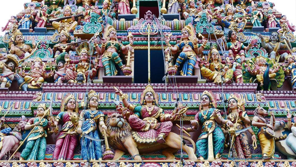 singapore-19-sri-mariamman-temple.jpg