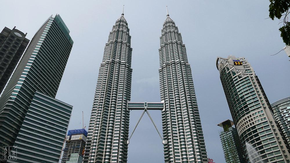 Petronas Towers by Cesar Pelli
