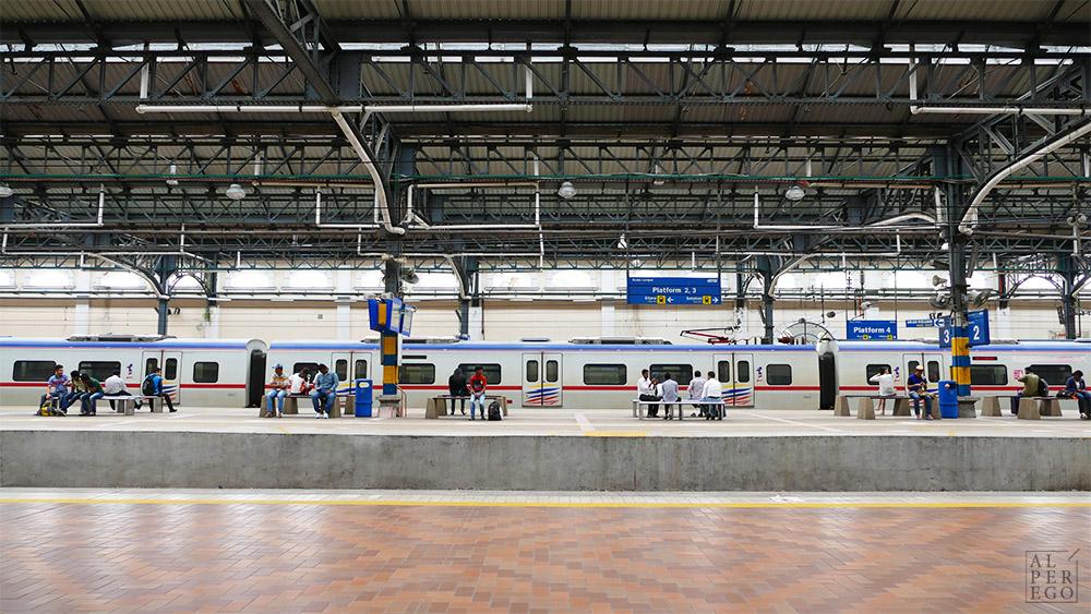 kuala-lumpur-15-old-railway-station.jpg