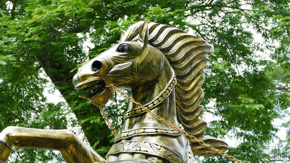 batu-caves-07-krishna-horse.jpg