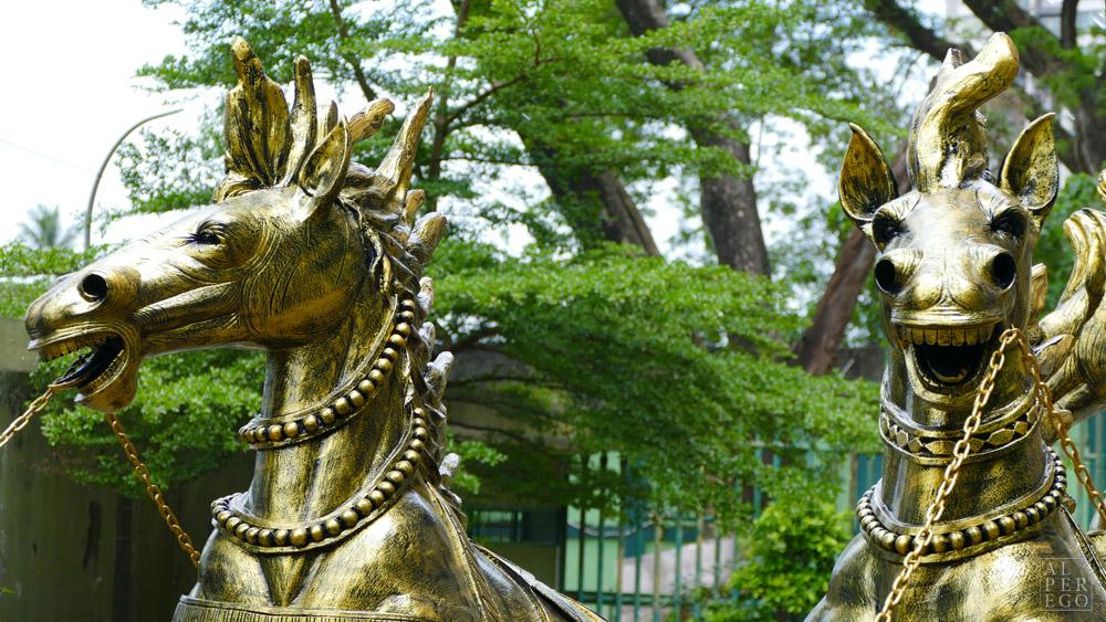 batu-caves-08-krishna-horses.jpg