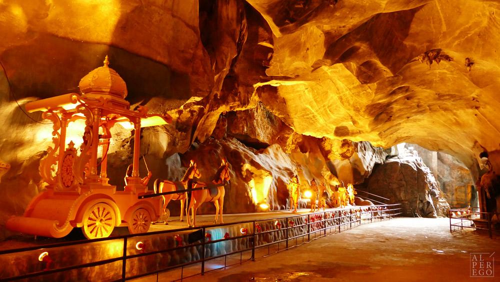 batu-caves-12-ravana.jpg