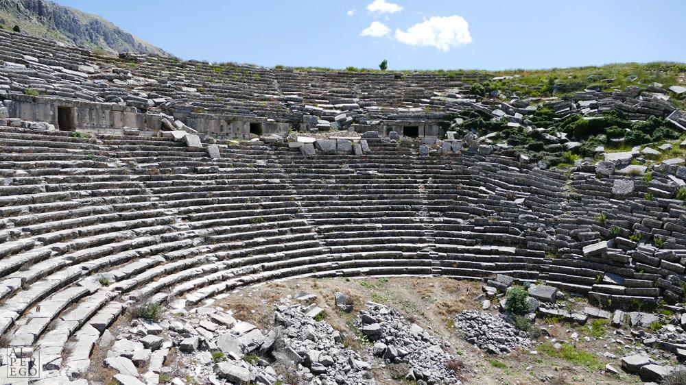 sagalassos-06-theatre.jpg