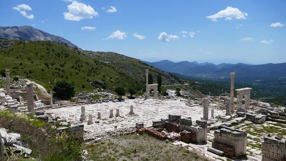 Upper Agora from heroön /  Heroon'dan Yukarı Agora
