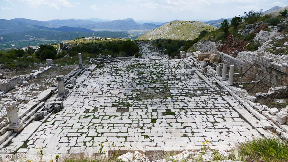 The Lower Agora (27 BC-14 AD) /  Aşağı Agora (MÖ 27-MS 14)