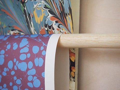 Regram from @londonbookarts for #marbledmonday #esmewinter #decorativepaper #marbledpaper #jemmalewismarbling #printedinengland