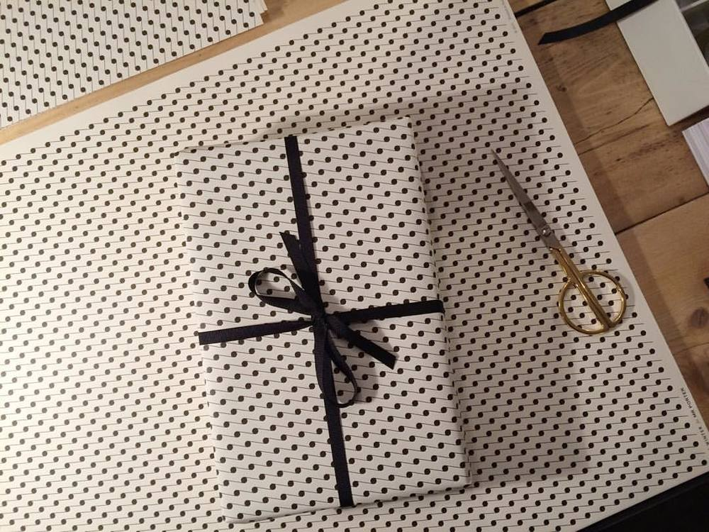 Simple and sophisticated - a bespoke patterned paper produced exclusively for @mrporterlive #holidayswithmrporter #christmas2015 #decorativepaper #esmewinter #mrporter