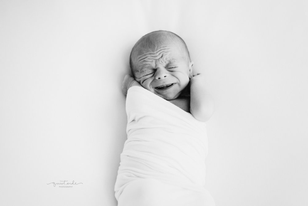 Grants first glimpse alexandria newborn photographer quiet side photography