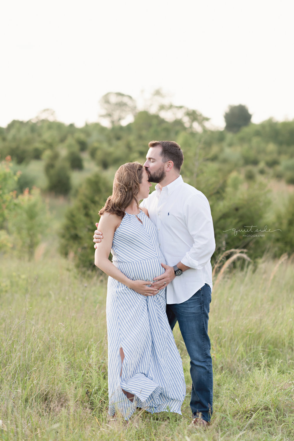 NorthernVirginia-Maternity-Sunset-Outdoor-GoldenHour-QuietSidePhotography-170514_QuietSidePhotography_BlazicMaternity_May2017_4800.jpg
