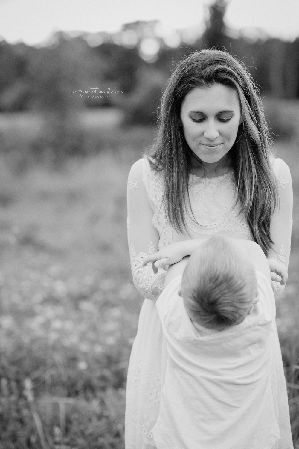 Witinok_Motherhood_Family_LoudounCounty_NorthernVA_Virginia_Family_Photographer_Sunset_Field.jpg.jpg