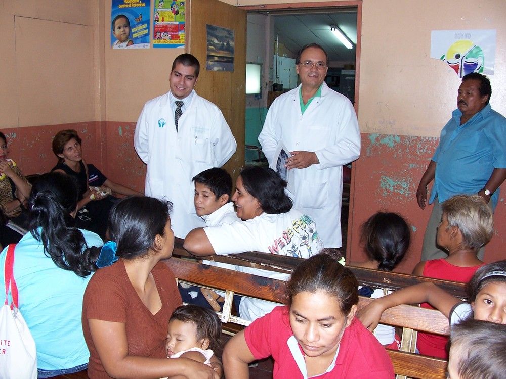 Lew Nederberg has served in Guyana, Cambodia, Uganda, and Bhutan with Health Volunteers Overseas. This is a clinic in Nicaragua (Summer 2014).