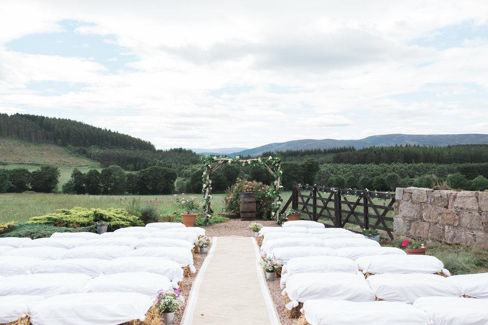 outdoor wedding ceremony Aberdeen