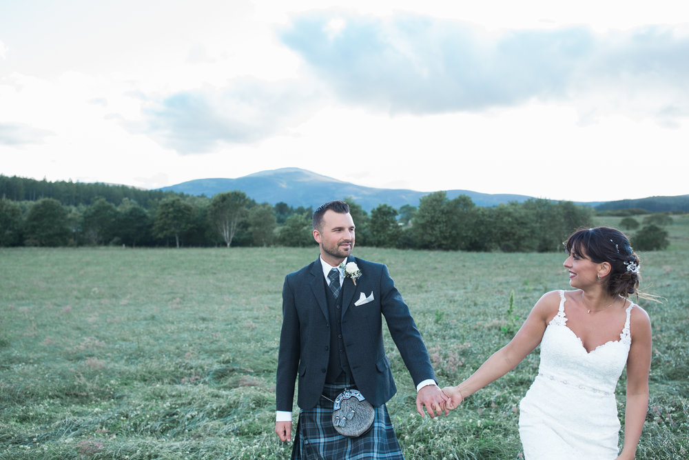 natural wedding photography Aberdeenshire
