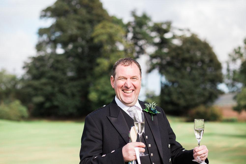 candid wedding photographer Aberdeen