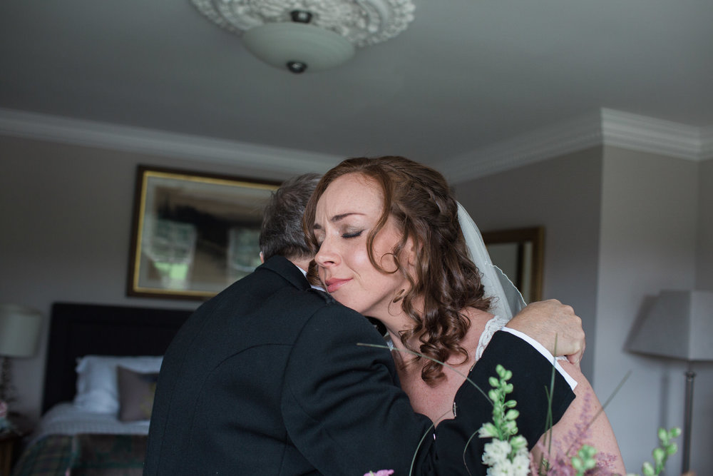 getting married at kings college aberdeen, wedding at kings college aberdeen, wedding photographer in aberdeen, Banchory lodge, Vivienne Elizabeth Photography