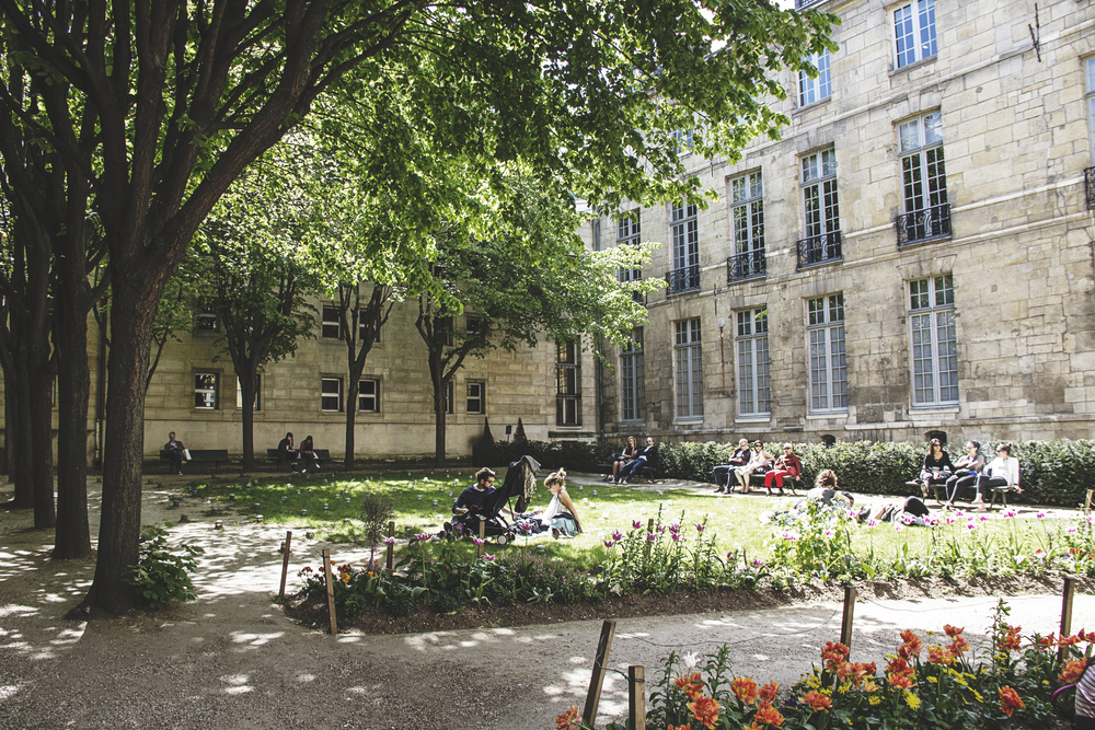 A Californian in Paris: A small park in the Marais
