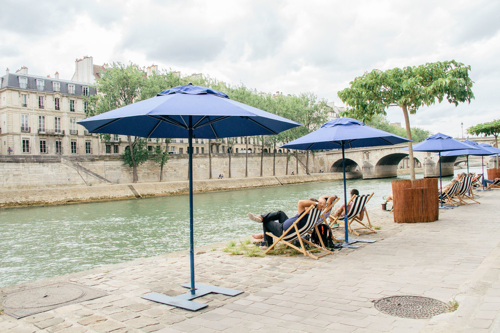sunbathing Paris Plages