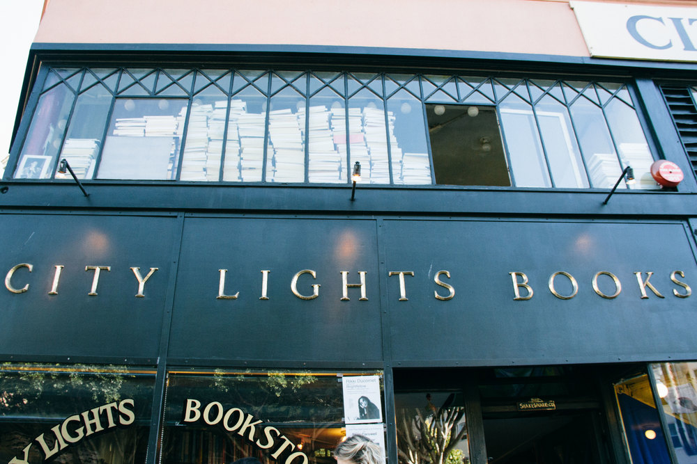 La Petite Californienne: City Lights Books